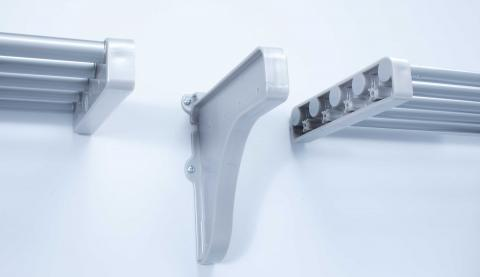 Joining-Shelves-with-ENd-Bracket